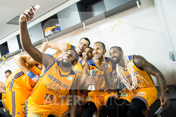 Herbalife Gran Canaria's player Royce O'Neale, Darko Planinic, Richard Hendrix, Eulis Baez and Bo McCalebb during the celebration of the victory at the final of Supercopa of Liga Endesa Madrid. September 24, Spain. 2016. (ALTERPHOTOS/BorjaB.Hojas)