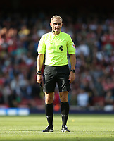 Referee Graham Scott<br /> <br /> Photographer Rob Newell/CameraSport<br /> <br /> The Premier League - Arsenal v West Ham United - Saturday August 25th 2018 - The Emirates - London<br /> <br /> World Copyright © 2018 CameraSport. All rights reserved. 43 Linden Ave. Countesthorpe. Leicester. England. LE8 5PG - Tel: +44 (0) 116 277 4147 - admin@camerasport.com - www.camerasport.com