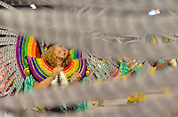 SAO PAULO, SP, 11 FEVEREIRO 2013 - CARNAVAL SP - LEANDRO DE ITAQUERA - Integrantes da escola de samba Leandro de Itaquera durante desfile do Grupo de Acesso no Sambódromo do Anhembi na região norte da capital paulista, neste domingo, 11 FOTO: LEVI BIANCO - BRAZIL PHOTO PRESS