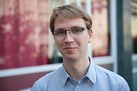 Berlin, Donnerstag (06.06.13), Markus Drenger, Listenkandidat aus Hessen, bei der Vorstellung des Konzepts der Piraten f&uuml;r digitalen Wandel und eine am Verbraucher orientierte Netzpolitik.<br /> Foto: Michael Gottschalk/CommonLens