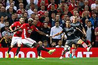 Southampton's Cedric Soares e Manchester United's Paul Pogba<br /> Manchester 19-08-2016<br /> Premier League,<br /> Manchester United - Southampton <br /> Foto Jason Cairnduff/Panoramic/Insidefoto