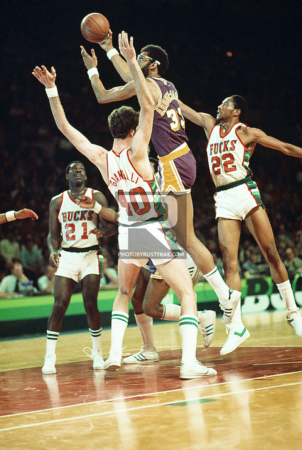 Kareem Abdul Jabbar takes it to the rack in a game against the Milwaukee Bucks.