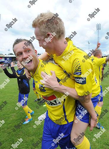 2014-04-27 / Voetbal / seizoen 2013-2014 / KVC Westerlo kampioen in tweede klasse /  Jeffrey Rentmeister (l.) met Laurens Paulussen<br /><br />Foto: mpics.be