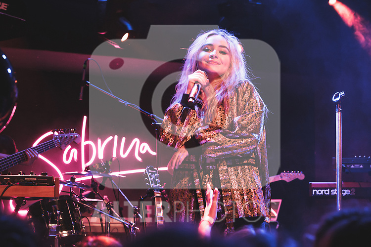 Sabrina Carpenter - Les Etoiles