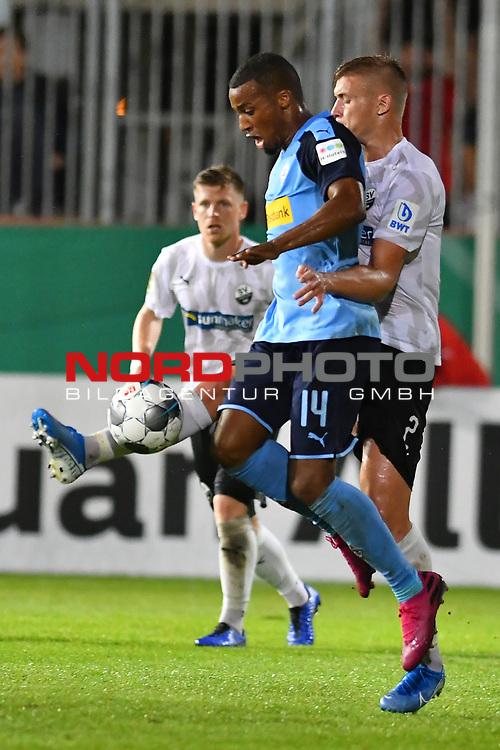 09.08.2019, BWT-Stadion am Hardtwald, Sandhausen, GER, DFB Pokal, 1. Runde, SV Sandhausen vs. Borussia Moenchengladbach, <br /> <br /> DFL REGULATIONS PROHIBIT ANY USE OF PHOTOGRAPHS AS IMAGE SEQUENCES AND/OR QUASI-VIDEO.<br /> <br /> im Bild: Alassane Plea (#4, Borussia Moenchengladbach) gegen Aleksandr Zhirov (SV Sandhausen #2)<br /> <br /> Foto © nordphoto / Fabisch