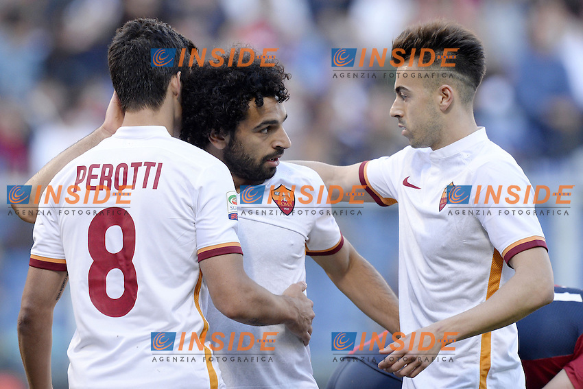 esultanza gol Mohamed Salah con Stephan El Shaarawy e Diego Perotti. Goal celebration 0-1 <br /> Genova 02-05-2016 Football Calcio Serie A 2015/2016  Genoa - AS Roma foto Daniele Buffa/Image Sport/Insidefoto