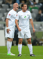 Fussball 2. Bundesliga:  Saison   2012/2013,    10. Spieltag  TSV 1860 Muenchen - FC Erzgebirge Aue  22.10.2012 Tobias Nickenig und Marc Hensel (v. li., FC Erzgebirge Aue)