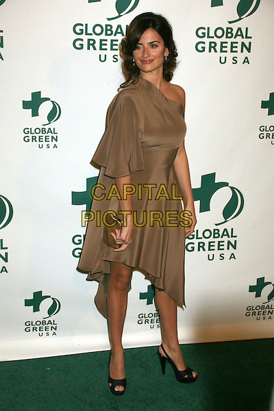 PENELOPE CRUZ.Global Green USA's 3rd Annual Pre-Oscar Party at Avalon, Hollywood, California, USA..February 21st, 2007.oscars full length brown beige satin one shoulder dress black peep toe peeptoe shoes platform clutch purse slingback .CAP/ADM/BP.©Byron Purvis/AdMedia/Capital Pictures