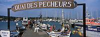 Europe/Provence-Alpes-Côte d'Azur/83/Var/Iles d'Hyères/Ile de Porquerolles: Le quai des pêcheurs sur le port