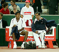 20030919, Zwolle, Davis Cup, NL-India, Rohan Bopanna and coach Krishnan