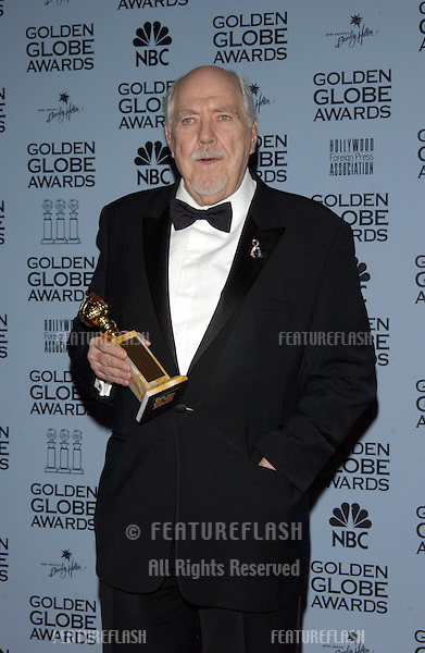 Director ROBERT ALTMAN at the 59th Annual Golden Globe Awards in Beverly Hills..20JAN2002.© Paul Smith/Featureflash
