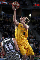 Herbalife Gran Canaria's Brad Newley (r) and Uxue Bilbao Basket's Alex Mumbru during Spanish Basketball King's Cup match.February 07,2013. (ALTERPHOTOS/Acero)