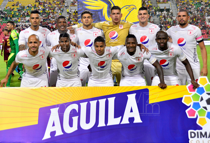 IBAGUÉ- COLOMBIA,20-07-2019:Formación del América de Cali ante el Deportes Tolima.Acción de juego entre los equipos  del Deportes Tolima y el América de Call durante  partido por la fecha 2 de la Liga Águila II 2019 jugado en el estadio Manuel Murillo Toro de la ciudad de Ibagué. /Team of America of Cali agaisnt of Deportes Tolima.Action game between teams  Deportes Tolima and America de Cali during the 2 match for  the Liga Aguila I I 2019 played at the Manuel Murillo Toro stadium in Ibague city. Photo: VizzorImage / Juan Carlos Escobar  / Contribuidor