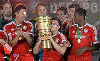 FUSSBALL       DFB POKAL FINALE        SAISON 2012/2013 FC Bayern Muenchen - VfB Stuttgart    01.06.2013 Bayern Muenchen ist Pokalsieger 2013: Xherdan Shaqiri (Mitte)  jubelt mit dem Pokal. Mario Mandzukic (li)  und David Alaba (re)