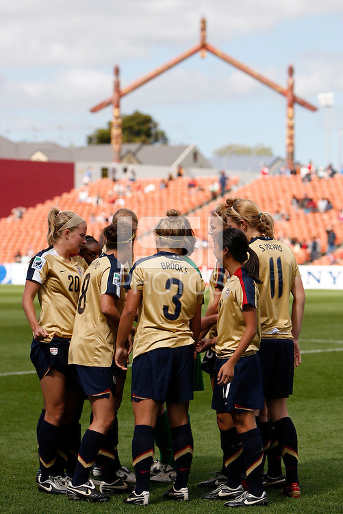 USA team huddle..FIFA U17 Women's World Cup, USA v Korea Republic, Waikato Stadium, Hamilton, New Zealand, Sunday 9 November 2008. Photo: Renee McKay/PHOTOSPORT