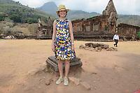 La Reine Mathilde de Belgique visite le temple Vat Phou au Laos, lors d'une mission de trois jours en tant que Pr&eacute;sidente d'Honneur d'Unicef Belgique. Mission dont le but d'accro&icirc;tre la sensibilisation en mati&egrave;re d'&eacute;ducation de qualit&eacute;, en mati&egrave;re de sant&eacute; y compris la sant&eacute; mentale, et sur les probl&eacute;matiques de survie et de la malnutrition des enfants.<br /> Laos, 23 f&eacute;vrier 2017.<br /> Queen Mathilde of Belgium pictured during a visit to the Vat Phou temple south of Pakse, Laos, Thursday 23 February 2017. Queen Mathilde, honorary President of Unicef Belgium, is on a four days mission in Laos