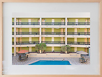 Hotel Hermosillo. Arquitectura Libre, Reproductions of framed photographs.