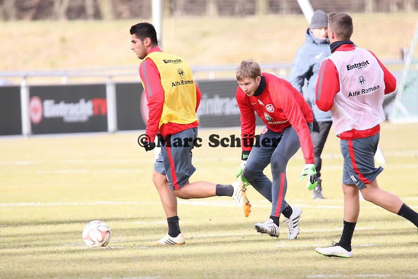 Carlos Zambrano, Felix Wiedwald und Luca Waldschmidt - Eintracht Frankfurt Training, Commerzbank Arena