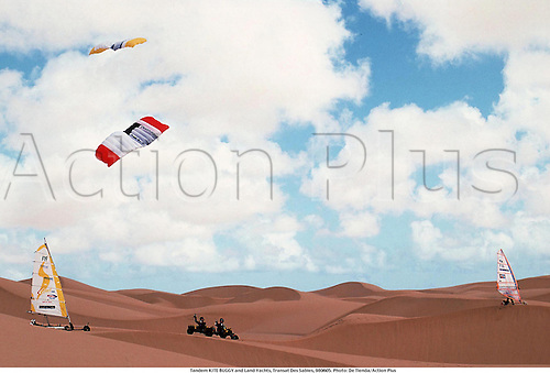 Tandem KITE BUGGY and Land Yachts, Transat Des Sables, 980605. Photo: De Tienda/Action Plus...1998.extreme.desert.sand.wind.air.extreme sports sport.excitement.radical.fun.daring.dare