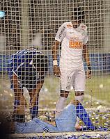 BUENOS AIRES, ARGENTINA, 17 MAIO 2012 - TAÇA LIBERTADORES - Vel x San - Neymar jogador do Santos durante partida contra Velez nesta quinta pelas quartas da Copa Libertadores no Estádio José Amalfitani (apelidado de El Fortin de Liniers), em Buenos Aires, na Argentina FOTO: JUANI RONCORONI - BRAZIL PHOTO PRESS.