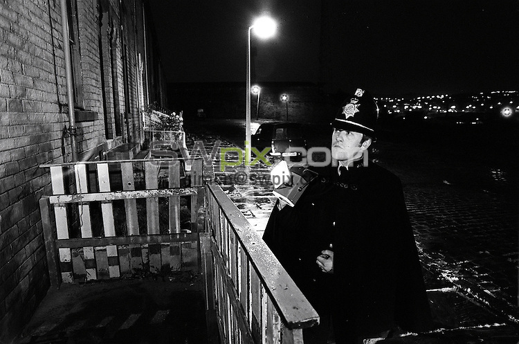 Pix: Barry Wilkinson/SWpix.com. The Yorkshire Ripper Archive. 14th May 1979 - 11th May1980...COPYRIGHT PICTURE>>SIMON WILKINSON>>0870 092 0092>>..Policeman dressed up in Victorian style, Lumb Lane, Bradford.