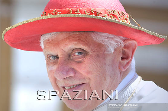 """Pope Benedict XVI wear his """"saturno"""" hat before the weekly general audience on June 16, 2010 in St Peter's square at the Vatican"""