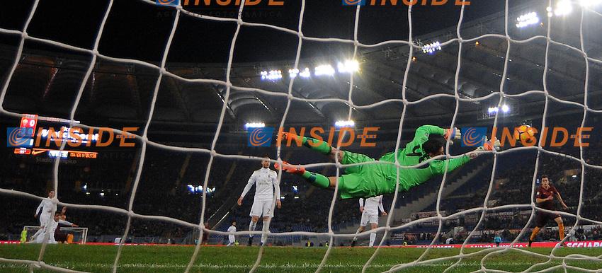 Gol Radja Nainggolan  Goal celebration <br /> Roma 12-12-2016 Stadio Olimpico Football <br /> Campionato Serie A 2016/2017 <br /> AS Roma - Milan <br /> Foto Andrea Staccioli / Insidefoto