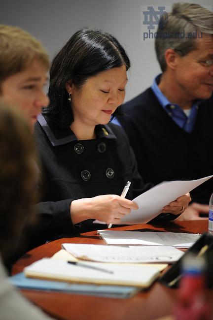Dean Carolyn Woo teaches an undergraduate course