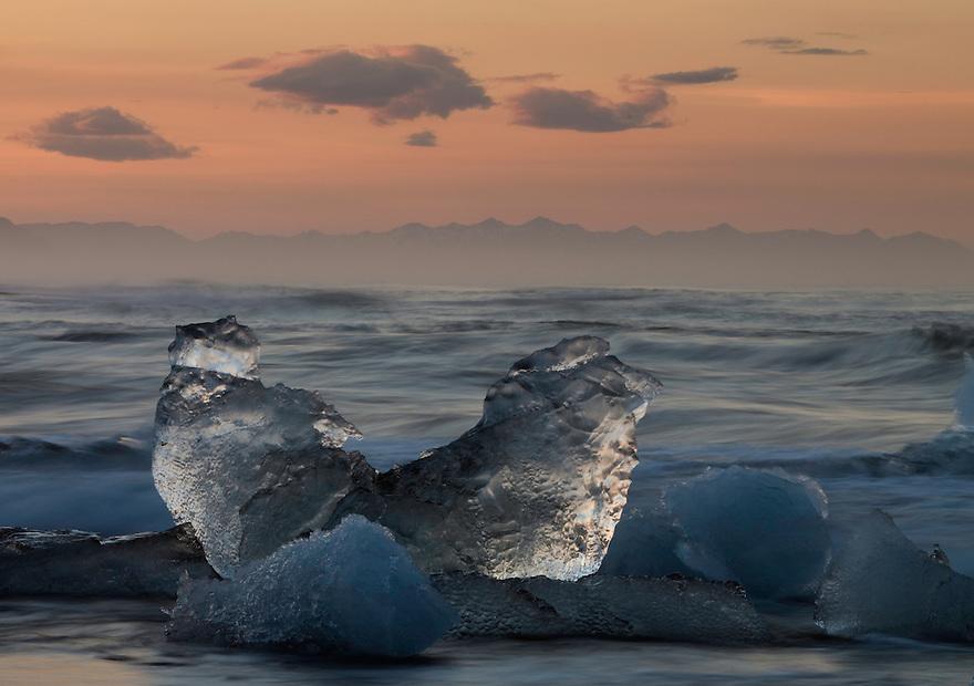 12.06.2008.Glacier ice laying on the sea shore.öræfi, Iceland