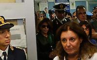 Poliziotto ferito in un conflitto a fuoco durante un servizio antiracket  in Via Leopardi a Napoli ,