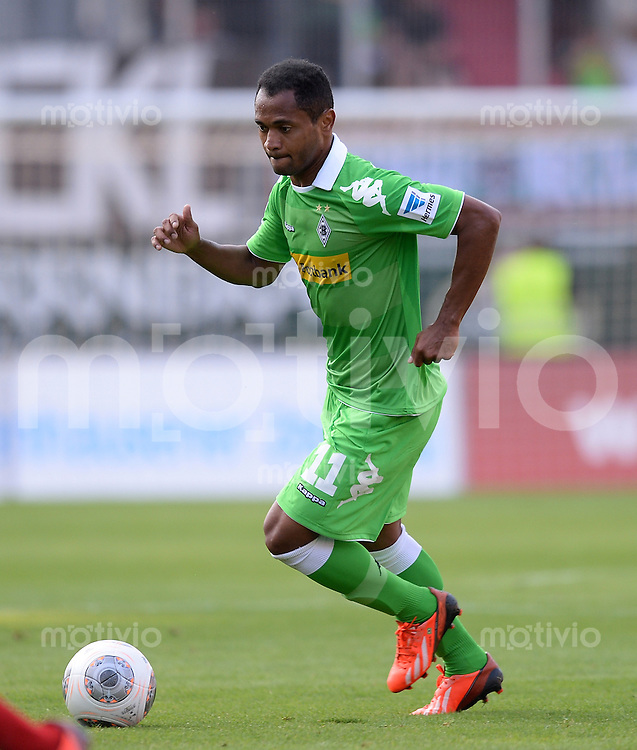 FUSSBALL  1. Bundesliga   2013/2014   Testspiel  FC Ingolstadt 04 - Borussia Moenchengladbach    13.07.2013 Raffael (Borussia Moenchengladbach) am Ball