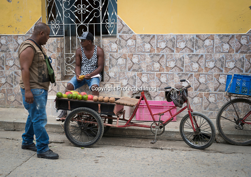 27/07/18<br /> <br /> Fruit seller, Trinidad, Cuba.<br /> <br /> All Rights Reserved, F Stop Press Ltd. (0)1335 344240 +44 (0)7765 242650  www.fstoppress.com rod@fstoppress.com
