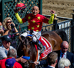 SARATOGA SPRINGS, NY - AUGUST 25: Mike Smith, riding Abel Tasman, celebrates after winning the Personal Ensign Stakes on Travers Stakes Day at Saratoga Race Course on August 25, 2018 in Saratoga Springs, New York. (Photo by Scott Serio/Eclipse Sportswire/Getty Images)