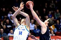 GRONINGEN - Basketbal, Donar - Apollo , Martiniplaza, Dutch Basketbal League seizoen 2019-2020, 18-1-2020, Donar speler Thomas Koenis met Apollo speler Noam Hasson