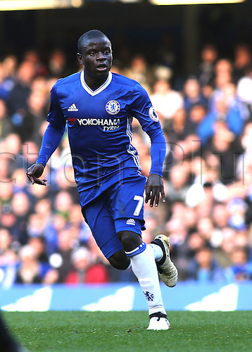 11.12.2016. Stamford Bridge, London, England. Premier League Football. Chelsea versus West Bromwich Albion. Chelsea Midfielder Ngolo Kante moves into position to receive a crossed ball