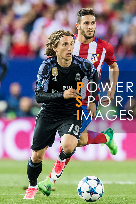 Luka Modric of Real Madrid in action during their 2016-17 UEFA Champions League Semifinals 2nd leg match between Atletico de Madrid and Real Madrid at the Estadio Vicente Calderon on 10 May 2017 in Madrid, Spain. Photo by Diego Gonzalez Souto / Power Sport Images