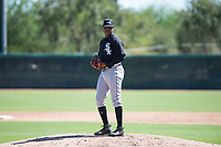 Chicago White Sox relief pitcher Luis Ledo (46) gets ready to deliver a pitch during an Instructional League game against the Kansas City Royals at Camelback Ranch on September 25, 2018 in Glendale, Arizona. (Zachary Lucy/Four Seam Images)