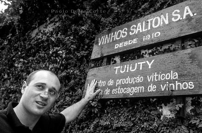 Brazsile - Bento Gonçalves è un comune del Brasile nello Stato del Rio Grande do Sul. Toni Salton oriundo italiano e oggi produttore di vino.