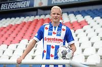 VOETBAL: HEERENVEEN: 01-08- 2017, Abe Lenstra Stadion, SC Heerenveen, presentatie Lucas Woudenberg, ©foto Martin de Jong