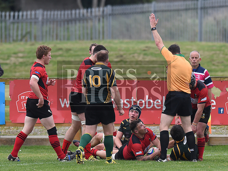 Boyne's Sean Woods and Midleton's Darren O'Keeffe look to referee Rob Watson as he confirms Middleton's try at Shamrock Lodge Drogheda. Photo:Colin Bell/pressphotos.ie