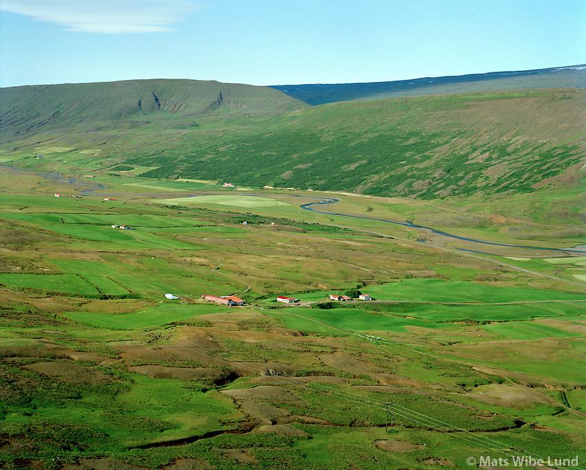 Hallbjarnarstaðir og Reynihagi séð til suðurs, Fljótsdalshérað áður Skriðdalshreppur / Hallbjarnarstadir and Reynihagi viewing south, Fljotsdalsherad former Skriddalshreppur.