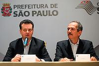 SAO PAULO, 29 DE JUNHO DE 2012. IV FORUM DAS SEDES DA COPA 2014. O prefeito Gilberto Kassab e o ministro dos esportes Aldo Rabelo durante o IV Forum das sedes da copa 2014 no Palacio dos Bandeirantes em São Paulo. FOTO: ADRIANA SPACA - BRAZIL PHOTO PRESS