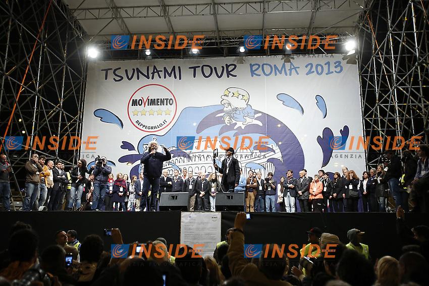 Beppe Grillo.Roma 24/05/2013 Piazza del Popolo. Chiusura della campagna elettorale del Movimento 5 Stelle per le elezioni a sindaco di Roma..Photo  Insidefoto
