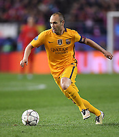 FUSSBALL CHAMPIONS LEAGUE  SAISON 2015/2016 VIERTELFINAL RUECKSPIEL Atletico Madrid - FC Barcelona       13.04.2016 Andres Iniesta (Barca) am Ball