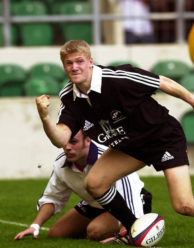Photo:Ken Brown.22.3.2000  BUSA Finals .University of Loughborough v University of Northumbria.Michael Stephenson celebrates his try