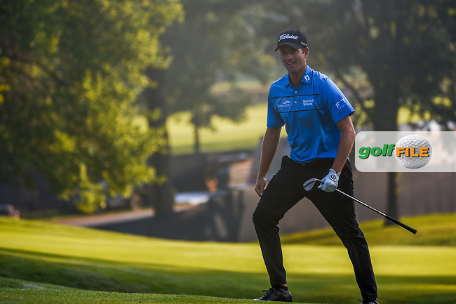 Webb Simpson (USA) drains his shot from the trap on 9 for a birdie during 2nd round of the 100th PGA Championship at Bellerive Country Club, St. Louis, Missouri. 8/11/2018.<br /> Picture: Golffile | Ken Murray<br /> <br /> All photo usage must carry mandatory copyright credit (© Golffile | Ken Murray)