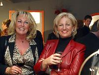 Anita Meyer met vriendin Martine