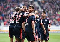 Fussball  1. Bundesliga  Saison 2015/2016  29. Spieltag  VfB Stuttgart  - FC Bayern Muenchen    09.04.2016 Jubel FC Bayern Muenchen; David Alaba umarmt von Xabi Alonso, Franck Ribery (v.li.)