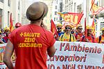 Ilva, lavoratori manifestano contro svendita e licenziamenti