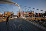 Pasarela sobre el Rio Segura del Arquitecto Calatrava. Murcia.